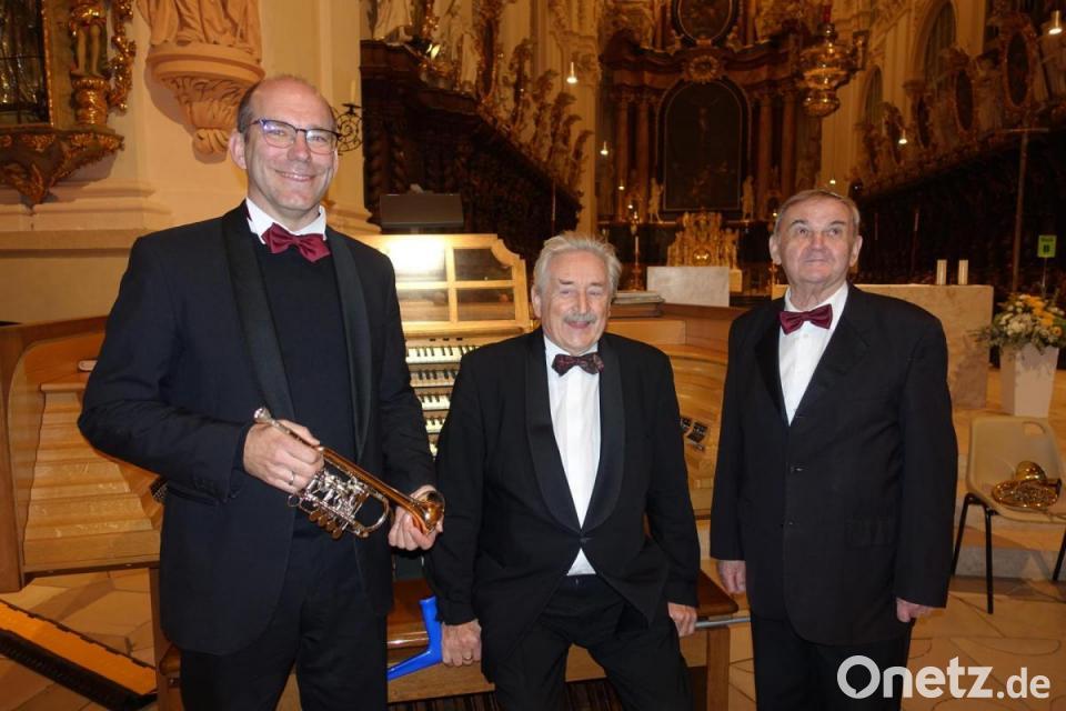 Trompetenschall und Orgelklang in der Basilika